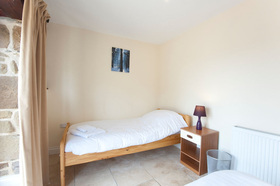 Barn Owl twin bedroom, Bejowan Barns Holiday Cottages